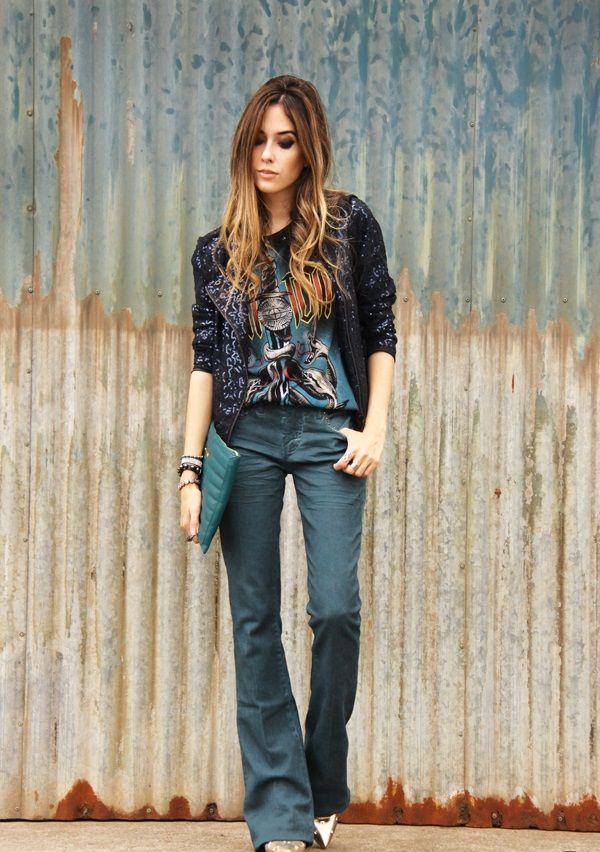 "Foto: Reprodução / <a href=""http://fashioncoolture.com.br/2014/05/21/flare-pants-sequined-jacket-rocker-outfit/"" target=""_blank"">Fashion Coolture</a>"