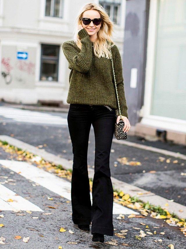 """Foto: Reprodução / <a href=""""http://www.whowhatwear.com/street-style-flare-pants/slide2"""" target=""""_blank"""">Who What Wear</a>"""