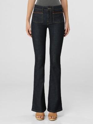 "Calça flare jeans por R$2589,00 na <a href=""http://www.ffwshop.com.br/calca-ellus-light-cross-ly--sup-high--flare-bolso-jeans-escuro-288467/p"" target=""blank_"">FFW Shop</a>"
