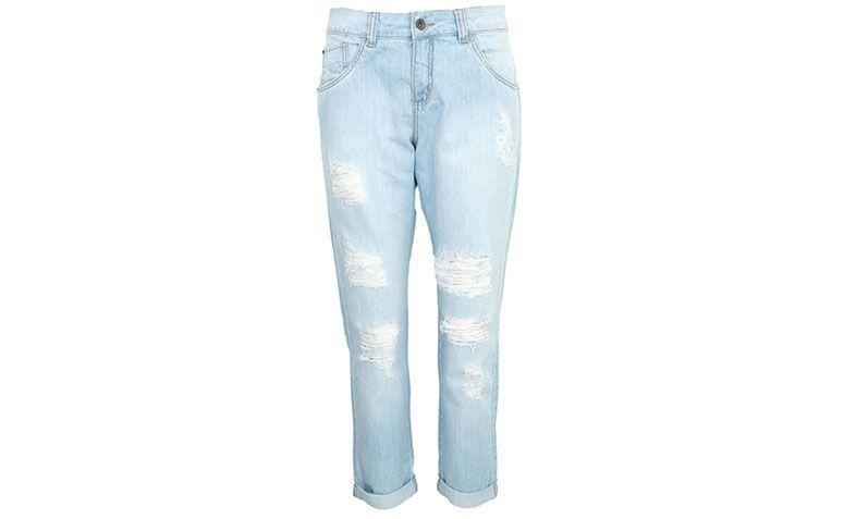 "Calça jeans boyfriend Lebôh por R$183,77 na <a href=""http://ad.zanox.com/ppc/?29469388C60460945&ULP=[[http://www.dafiti.com.br/Calca-Jeans-Leboh-Boyfriend-Urban-Azul-1626332.html?utm_source=Zanox&utm_medium=Cpa&utm_campaign=deeplink]]"" target=""blank_"">Dafiti</a>"