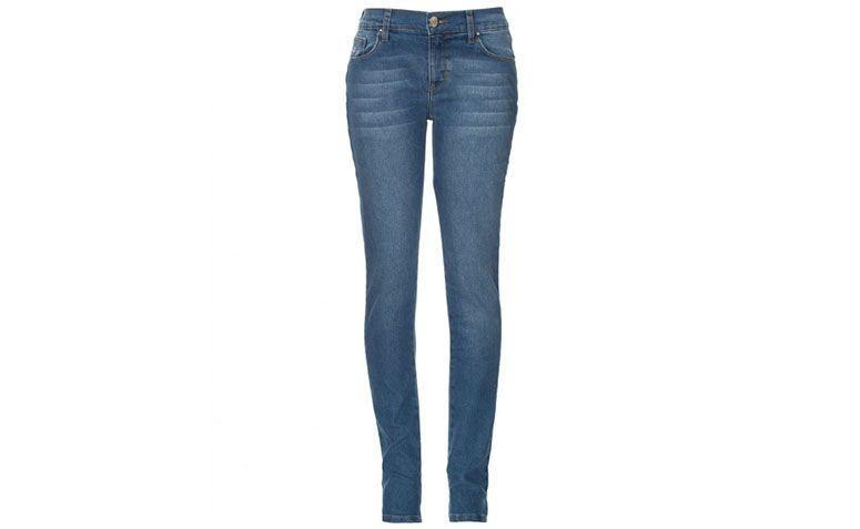 "Calça jeans skinny por R$149,90 na <a href=""http://ad.zanox.com/ppc/?29468903C12403682&ULP=[[http://amaro.com/calca-skinny-selena-2268.aspx/p?sku=1498001046?epar=af_as_00_za_zanox]]"" target=""blank_"">Amaro</a>"