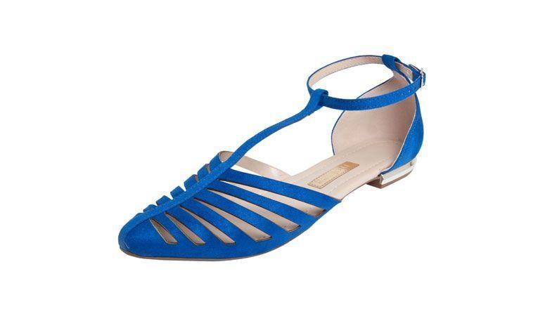 sandal datar Salome biru untuk $ 79,90 di Dafiti