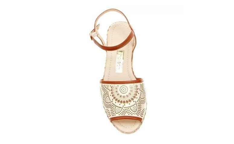 Moleca sandal Laser avarca untuk US $ 69,90 di Zattini