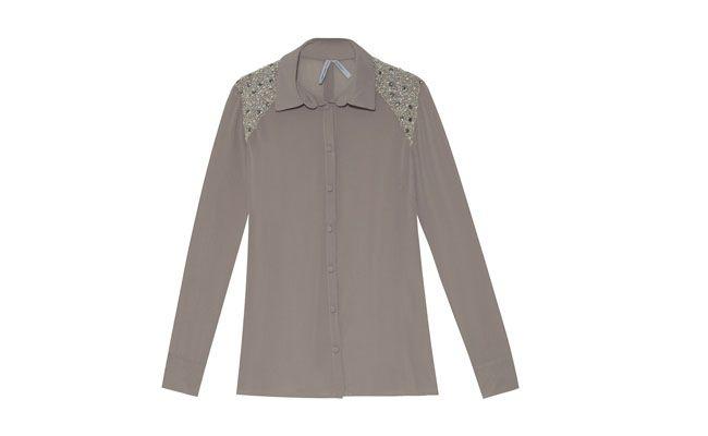 camisa del hombro bordado por R $ 229.35 en OQVestir