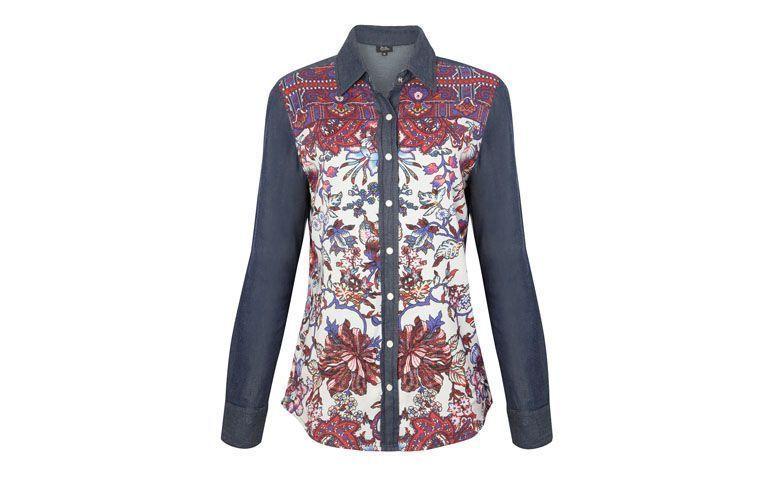 """Camisa jeans com print em paisley Daslu por R$590,00 na <a href=""""http://www.oqvestir.com.br/camisa-jeans-daslu-paisley-azul-61360.aspx/p"""" target=""""blank_"""">OQVestir</a>"""