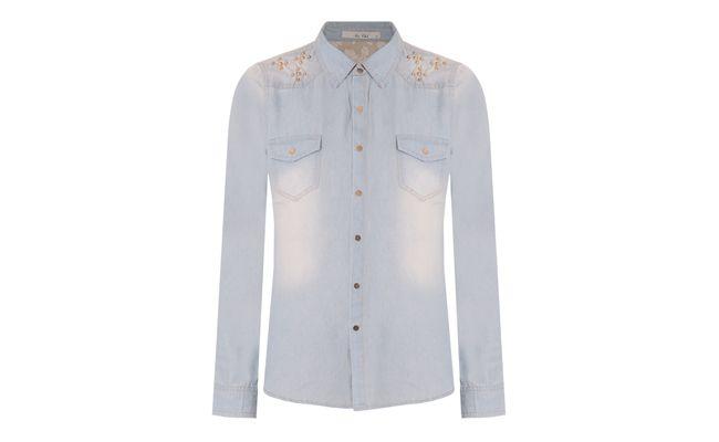 "Camisa por R$219 na <a href=""http://www.capitollium.com.br/cat/blusas/8946.html"" target=""_blank"">Capitollium</a>"