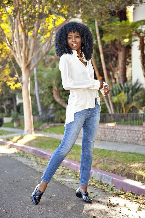 "Foto: Reprodução / <a href=""http://stylepantry.com/2014/11/28/high-low-button-down-stiletto-jeans/"" target=""_blank"">Style Pantry</a>"