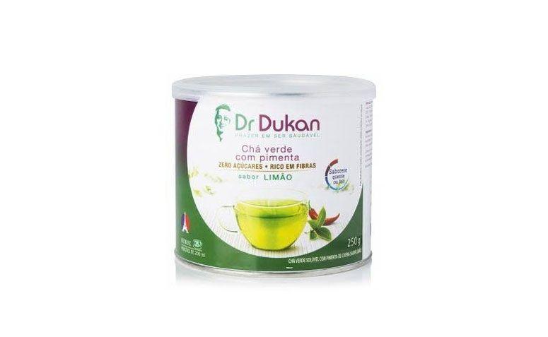 "Chá verde com pimenta Dr. Dukan por R$39,90 na <a href=""http://ad.zanox.com/ppc/?28925531C37452720&ULP=[[http://www.natue.com.br/cha-verde-com-pimenta-sabor-limao-250g-dr-dukan-71862.html?utm_source=zanox&ty=deeplink&lb=1&fonte=Afiliado|zanox|deeplink|deeplink|deeplink|0|0|0&canal=zanox&origem=deeplink&utm_source=zanox&utm_medium=deeplink&utm_campaign=deeplink&utm_content=produto&utm_term=deeplink&track=Afiliado-zanox-deeplink]]"" rel=""nofollow"" target=""blank_"">Natue</a>"