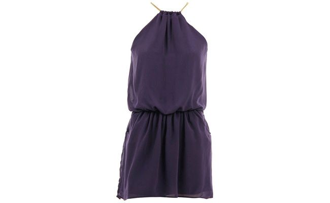 """Vestido chiffon por R$299,99 na <a href=""""http://www.passarela.com.br/feminino/produto/6400494414/Vestido-Chiffon-Detalhe-Corrente-Lanca-Perfume-02Ve165200---Roxo/"""" target=""""_blank"""">Passarela</a>"""