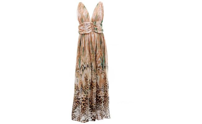 """Vestido chiffon estampado por R$139,99 na <a href=""""http://www.passarela.com.br/feminino/produto/6400535304/Vestido-Longo-Chiffon-Lara-52605---Bege/"""" target=""""_blank"""">Passarela</a>"""