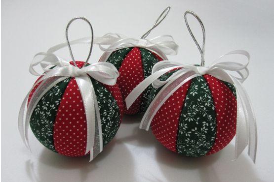 Bolas natalinas de tecido
