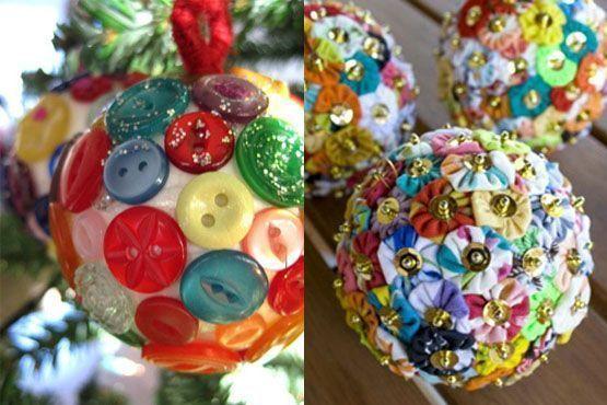 Bolas natalinas de botões coloridos