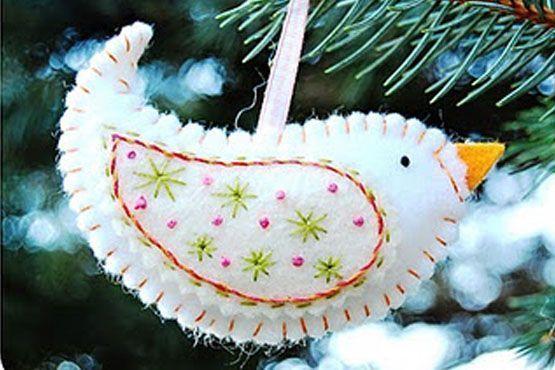 Enfeite de árvore de feltro e tecido