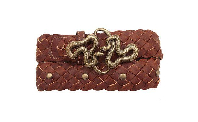 """Cinto de cobra Shoulder por R$259 na <a href=""""http://www.oqvestir.com.br/cinto-cobra-tachas---marrom-42668.aspx/p"""" target=""""blank_"""">Oqvestir</a>"""