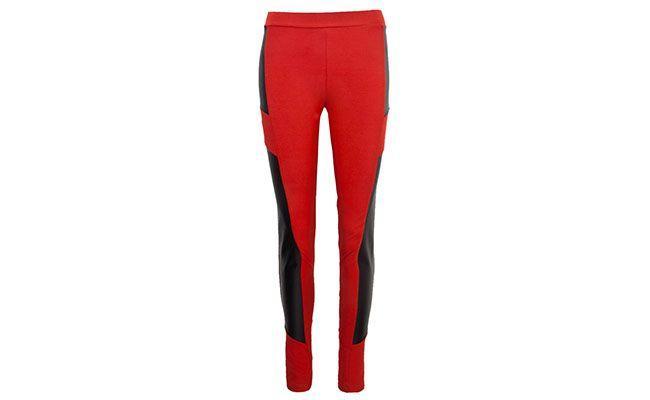 "Legging vermelha com detalhe Sommer por R$85,90 na <a href=""http://www.dafiti.com.br/Legging-Sommer-Petit-Retails-Vermelha-1466701.html"" target=""blank_"">Dafiti</a>"