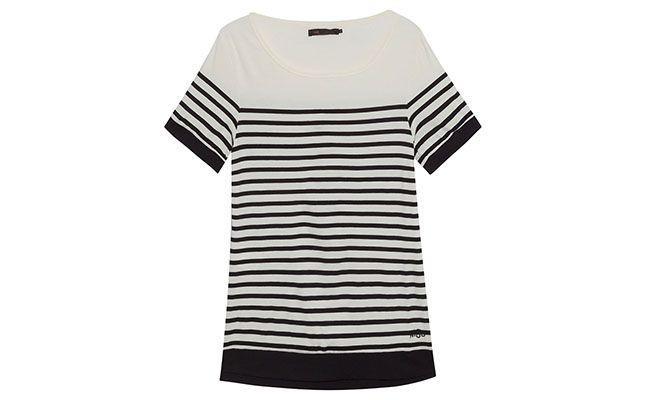 """T-shirt listrada Mob por R$129 na <a href=""""http://www.oqvestir.com.br/t-shirt-listras---off-white-e-preto-48517.aspx/p"""" target=""""blank_"""">Oqvestir</a>"""
