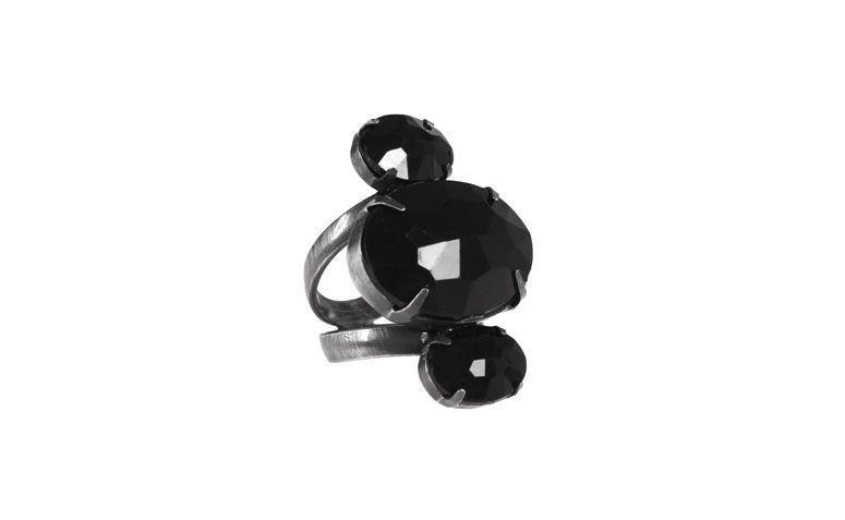 Ring mit drei schwarzen Steinen in Harz R $ 32 in Love Too