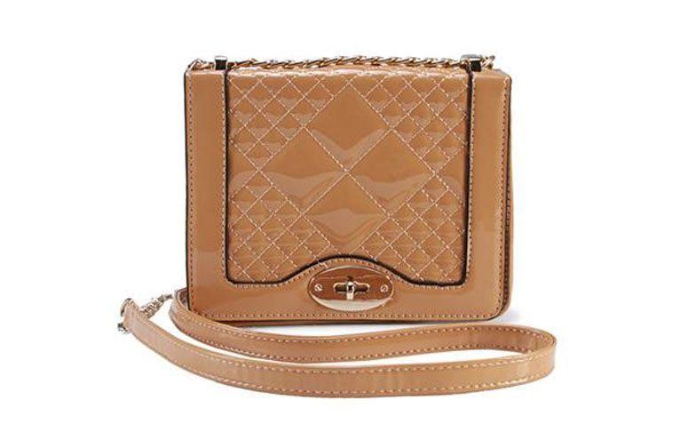 """Bolsa carteira caramelo Madame Marie por R$129,90 na <a href=""""http://www.anita.com.br/produto/Bolsa-Madame-Marie-MULTICOLORIDO-93670?atributo=173:MULTICOLORIDO"""" target=""""_blank"""">Anita</a>"""