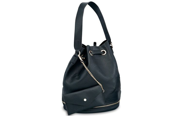 Back bag with shoulder strap and Pallas for R $ 149.90 in Ella Store