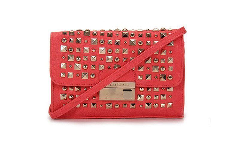 Bag pink Vitorino Maské by R $ 79.99 on the Catwalk