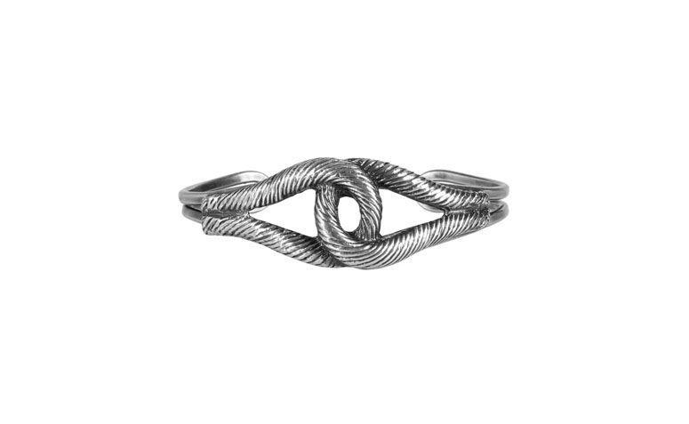 """Bracelete de nó náutico por R$39 na <a href=""""http://www.amomuito.com/bijoux/19221-bracelete-knot-prata-velha.html"""" target=""""_blank"""">Amo Muito</a>"""