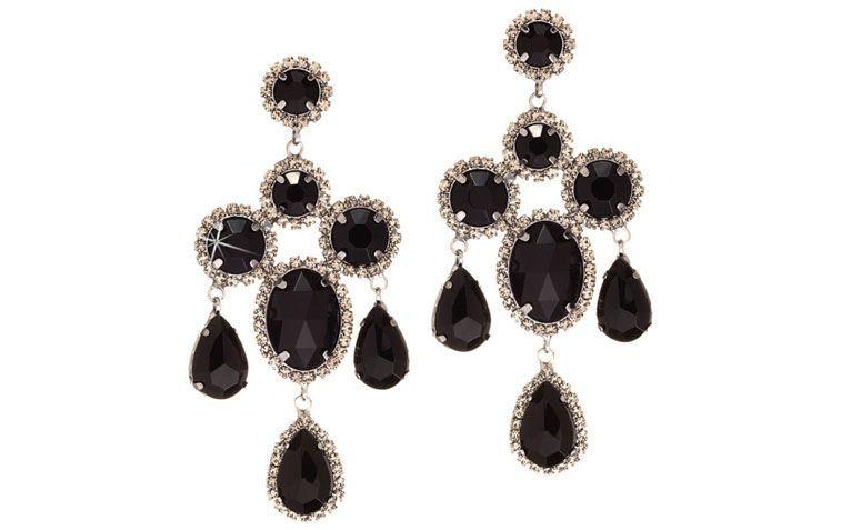 """Maxi brinco com cristais pretos por R$96,00 na <a href=""""http://www.franciscajoias.com.br/maxi-brinco-com-cristais-preto-em-rhodium.html"""" target=""""_blank"""">Francisca Joias</a>"""