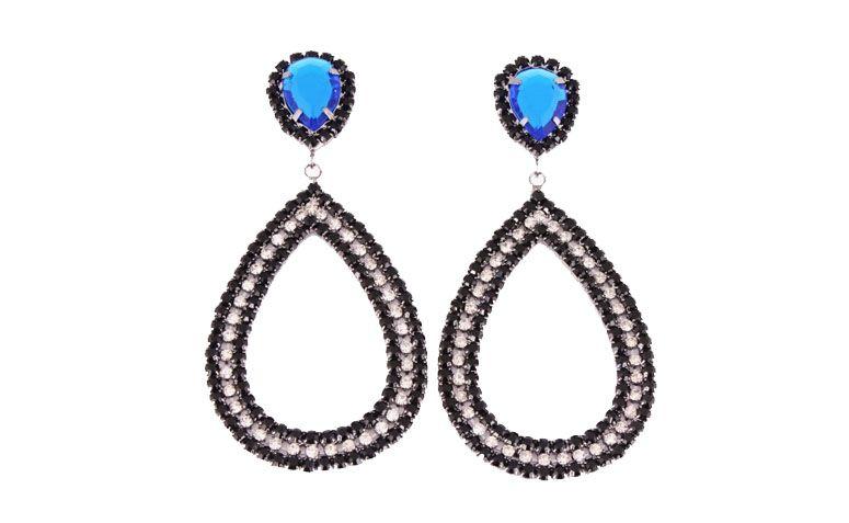 großer Ohrring mit schwarzen Strasssteinen für $ 148 in Ludora Boutique