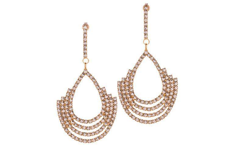 """Brinco pendulo com cristais por R$68,00 na <a href=""""http://www.franciscajoias.com.br/brinco-pendulo-com-cristais-brancos-folheado-a-ouro-18k.html"""" target=""""_blank"""">Francisca Joias</a>"""
