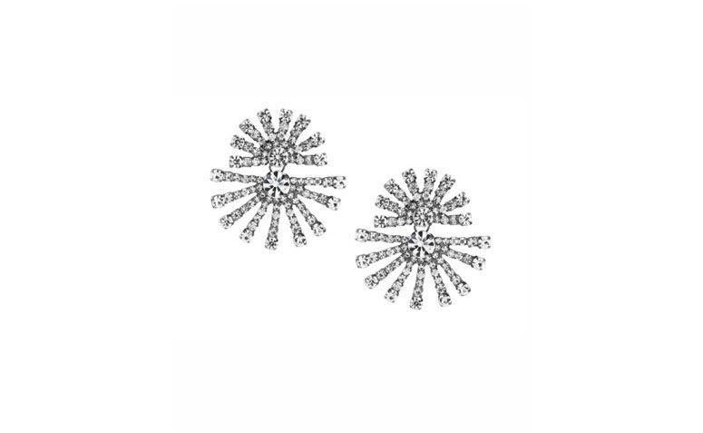 Leylak Aksesuarları $ 98 Swarovski Crystal ortalama Küpe