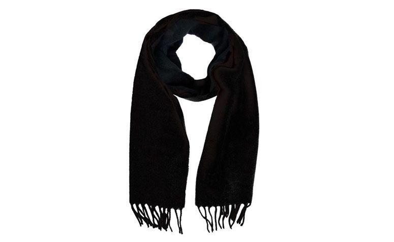 Dafiti R $ 39.90 için örme siyah fular akrilik