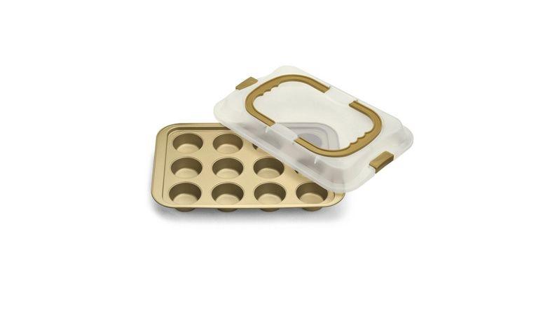 """Forma para 12 bolinhos com tampa por R$199,90 na <a href=""""http://www.americanas.com.br/produto/9510567/forma-para-12-bolinhos-com-tampa-dolce-chef-bialetti-38x25cm#informacoes-tecnicas"""" target=""""_blank"""">Americanas</a>"""