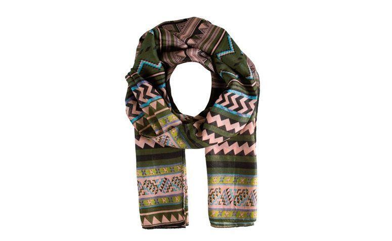 Militär grüner Schal mit ethnischem Druck für 49 $ in Love Too