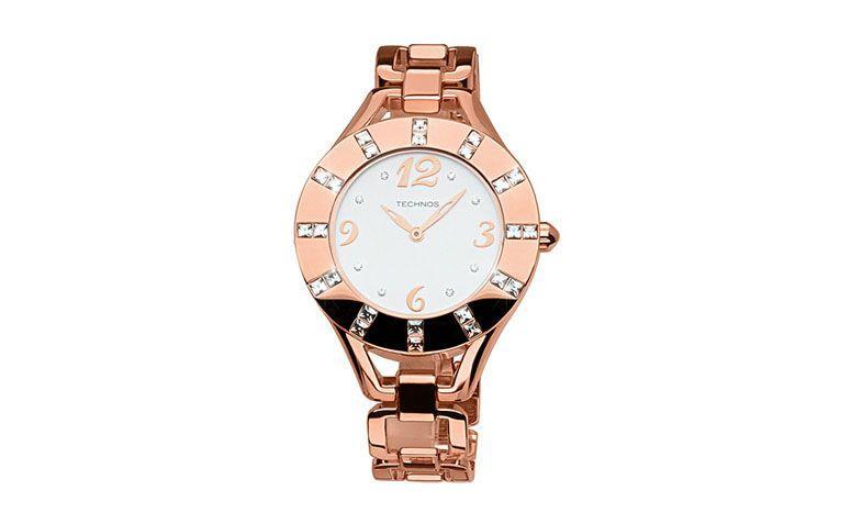 """Relógio rosê com strass por R$134,10 na <a href=""""http://ad.zanox.com/ppc/?29470536C23045534&ULP=[[http://www.submarino.com.br/produto/122420732/relogio-feminino-technos-analogico-social-gl20gx-4b#informacoes-tecnicas?utm_source=zanox&utm_medium=afiliados&utm_campaign=custom_deeplink]]"""" target=""""_blank"""">Submarino</a>"""