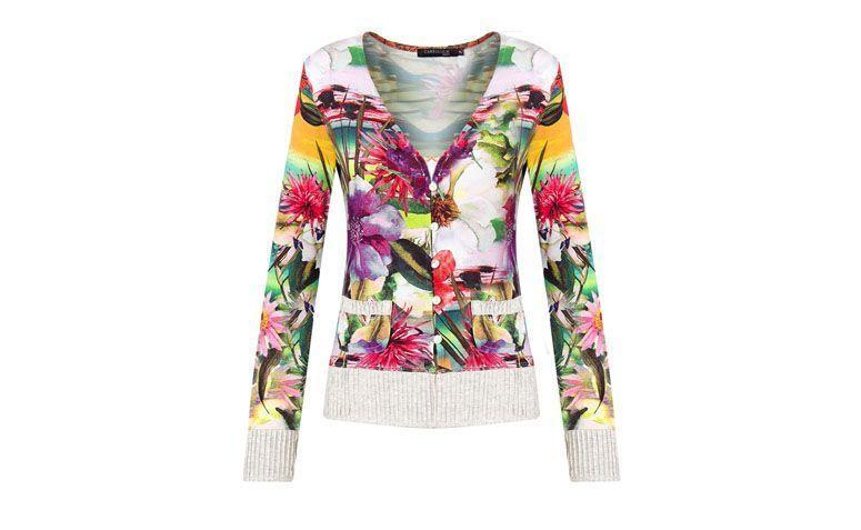 "Cardigã floral por R$168 na <a href=""http://www.capitollium.com.br/produto/CAPITOLLIUM--CARDIGAN-MALHA-FLORAL-NERVURA-BOLSO--MESCLA-149455?"" target=""_blank"">Capitollium</a>"