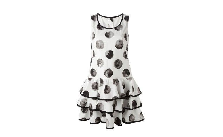 "Vestido baby doll com estampa de poá por R$4.824 na <a href=""http://ad.zanox.com/ppc/?29469493C40749417&ULP=[[http://www.farfetch.com/br/shopping/women/dolce-gabbana-vestido-evase-com-poas-item-10949677.aspx?utm_source=zanox&utm_medium=link&utm_campaign=deeplink_generator]]"" target=""_blank"">Farfetch</a>"