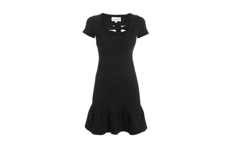 "Vestido bandagem estilo baby doll por R$203,70 na <a href=""http://ad.zanox.com/ppc/?29470516C1422770&ULP=[[http://www.shop2gether.com.br/vestido-maira.html?utm_source=Zanox&utm_medium=Affiliates&utm_campaign=custom_deeplink]]"" target=""_blank"">Shop2gether</a>"