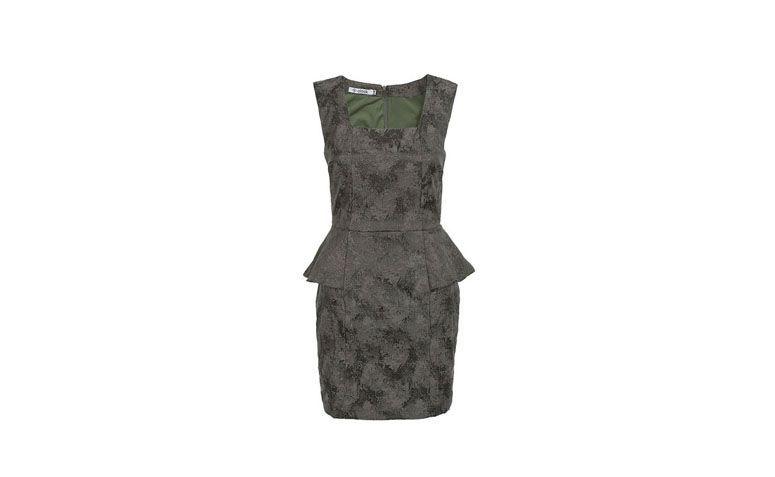"""Vestido peplum em tecido Jacquard com leve brilho por R$157,43 na <a href=""""http://www.olook.com.br/vestido-peplum-jacquard-90939"""" target=""""_blank"""">Olook</a>"""