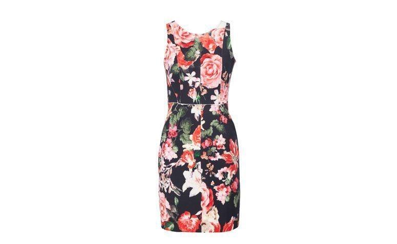 "Vestido tubinho com estampa floral por R$449 na <a href=""http://www.oqvestir.com.br/vestido-le-lis-blanc-floral---preto-62615.aspx/p"" target=""_blank"">OQ Vestir</a>"