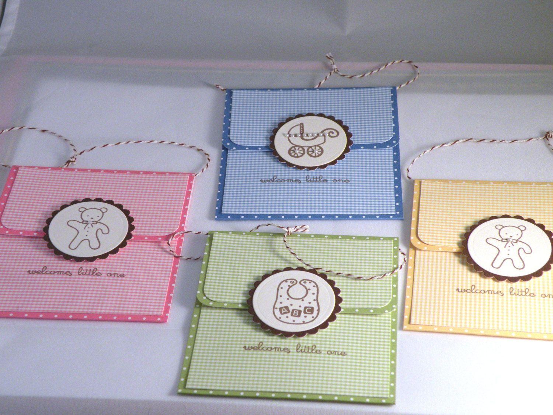 "Foto: Reprodução / <a href=""https://www.etsy.com/pt/listing/125425276/hand-made-baby-shower-gift-card-holder?ref=shop_home_active_5"" target=""_blank"">Etsy</a>"