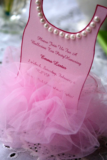 "Foto: Reprodução / <a href=""http://alittleloveliness.blogspot.com.br/2010/02/ballerina-tutu-invitation.html"" target=""_blank"">A little loveliness</a>"