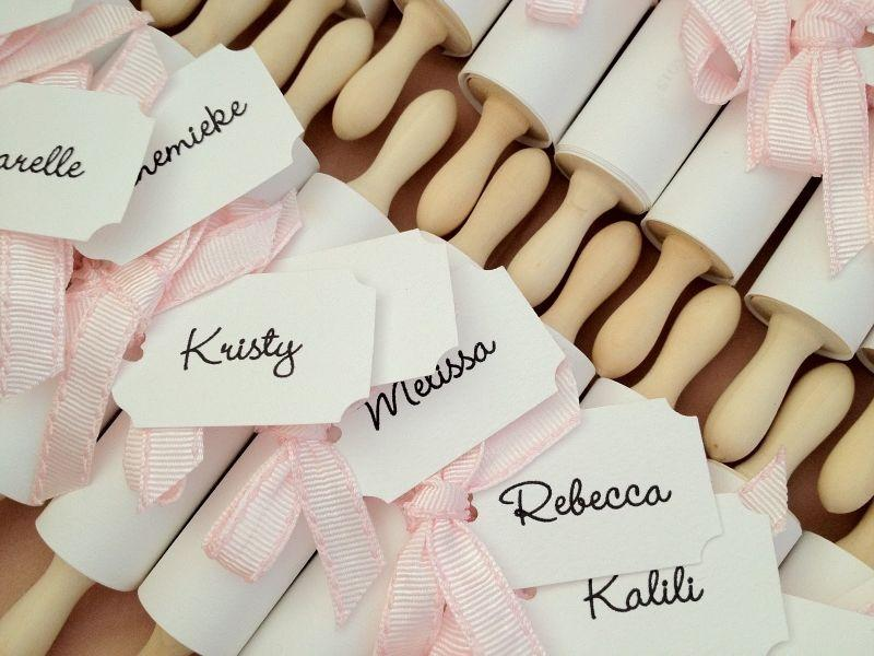 "Foto: Reprodução / <a href=""http://sugarcoatedevents.blogspot.com.au/2012/09/elles-kitchen-tea-invitations.html?m=1"" target=""_blank"">Sugar coated events</a>"