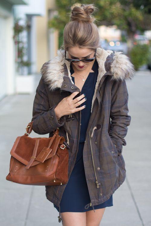 """Foto: Reprodução / <a href=""""http://galmeetsglam.com/2012/11/dressed-down-casual/"""">Gal Meets Glam</a>"""