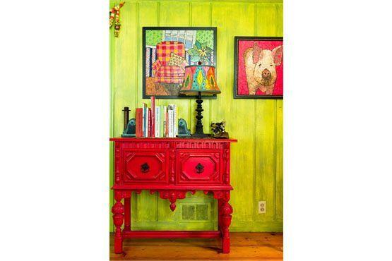Brinque com constrates e crie um ambiente rico em cores.