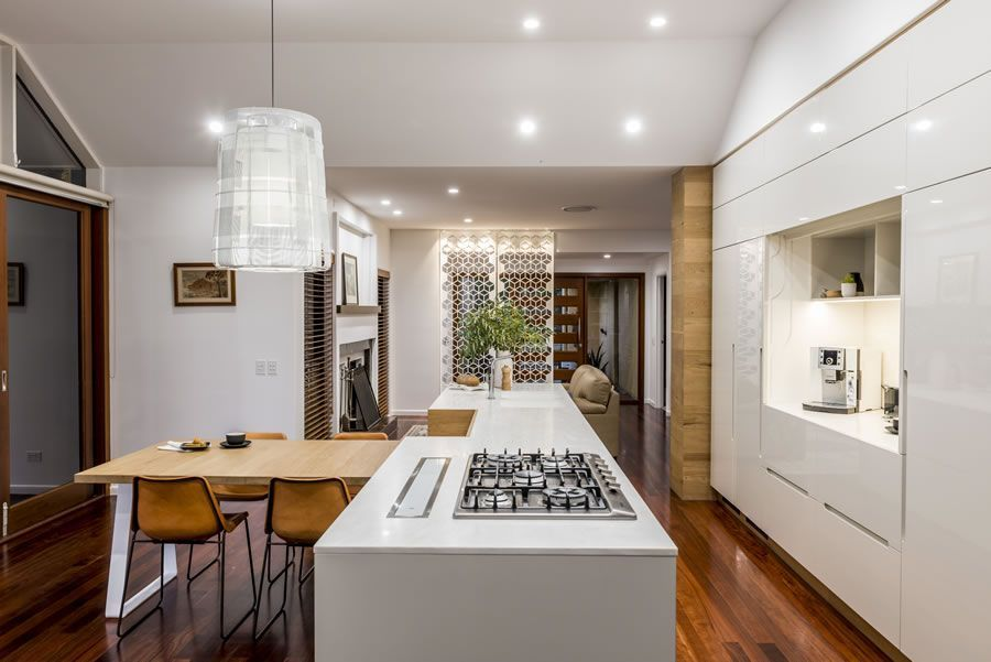 "Foto: Reprodução / <a href=""http://www.darrenjames.com.au/projects/kitchens/mount-gravatt"" target=""_blank"">Darren James</a>"