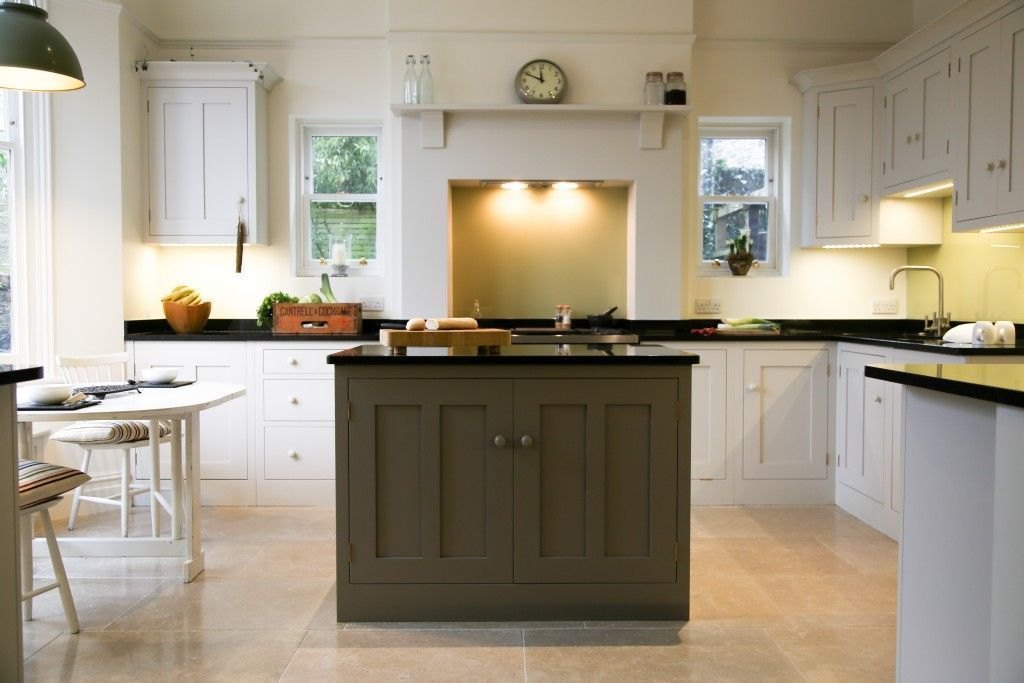 "Foto: Reprodução / <a href=""http://sustainablekitchens.co.uk/playful-shaker-kitchen/"" target=""_blank"">Sustainable Kitchens</a>"