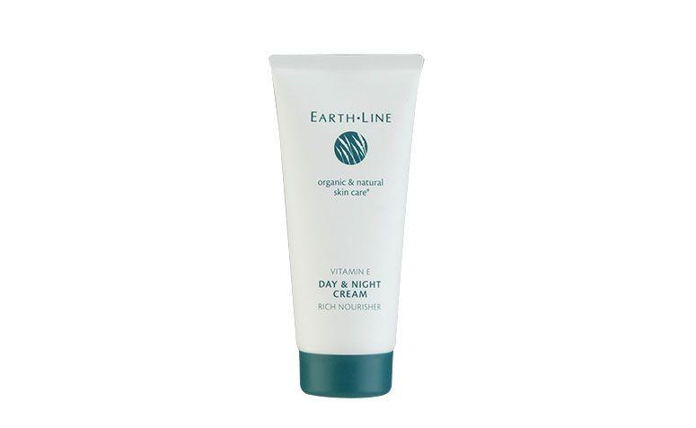"Creme Earth Line por R$104 na <a href=""http://www.cosme-de.com/pt/product/product_page.html"" target=""blank_"">Cosme-de</a>"