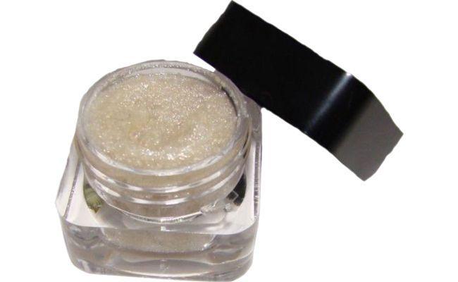 "Biolumen Laser em creme por R$55 na <a href=""http://www.farmaciadoceflora.com.br/produto/0000150/BIOLUMEN--LASER-EM-CREME"" target=""_blank"">Farmácia Doce Flora</a>"