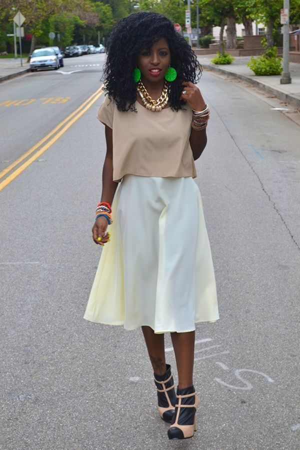 "Foto: Reprodução / <a href=""http://stylepantry.com/2011/08/04/american-apparel-crop-tee-mid-length-circle-skirt/"" target=""_blank"">Style Pantry</a>"