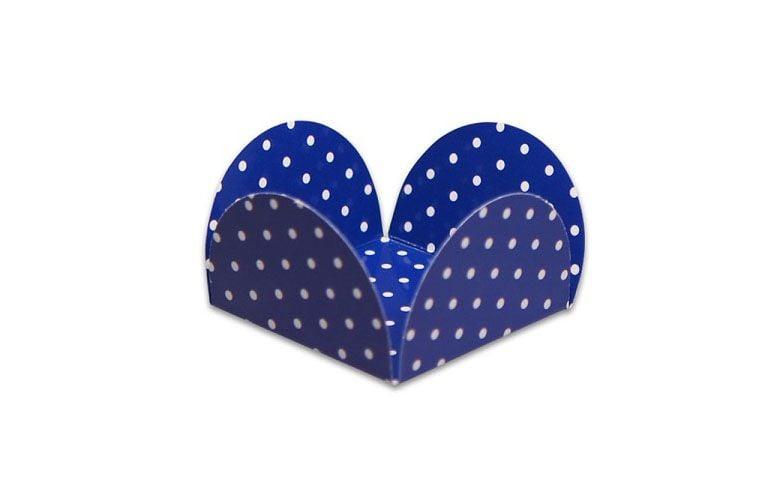 """Forma decorativa por R$4,40 na <a href=""""http://www.vemfestejar.com/p/46061/forminha+para+doce+azul+cobalto+poa+branco+miss+cupcake+c/+50+unidades/campanha_id/39"""" target=""""blank_"""">Vem Festejar</a>"""