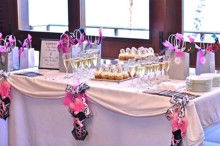 """Foto: Reprodução / <a href=""""http://www.vibrantbride.com/site-gallery?category=All&color=275&socio=All"""" target=""""blank_"""">Vibrant Bride</a>"""